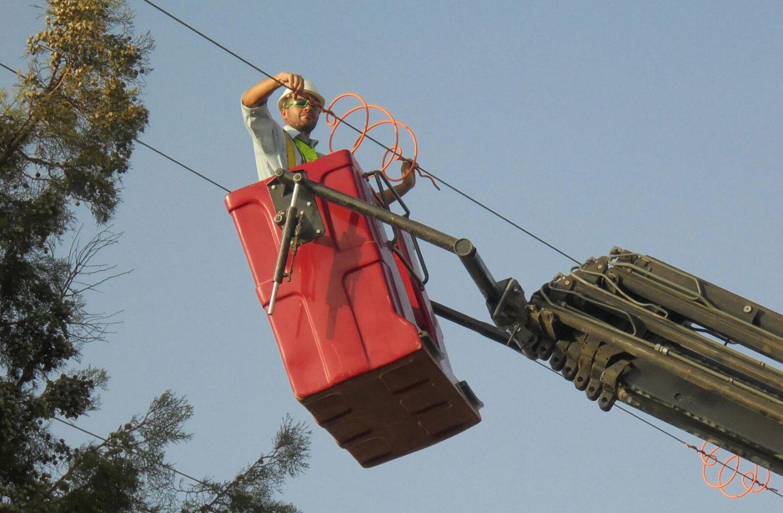 Trabajos de protección y señalización de la línea eléctrica